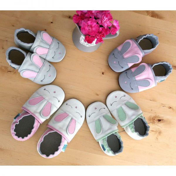 kapcie dla dzieci, kapcie do przedszkola, buty do żłobka, niechodki, pierwsze butki, miekkie butki, soft sole, bosa stopka, softsole, barefoot shoes, Barfußschuh, miękkie sandałki, Barfußsandalen, barefoot sandals, bosa stopka, buciki letnie, butki letnie, butki skórzane, butki do przedszkola, butki do żłobka, kapcie dla dzieci, kapcie do przedszkola, kapcie skórzane, miękkie butki, sandały dziecięce, sandałki na rzepy