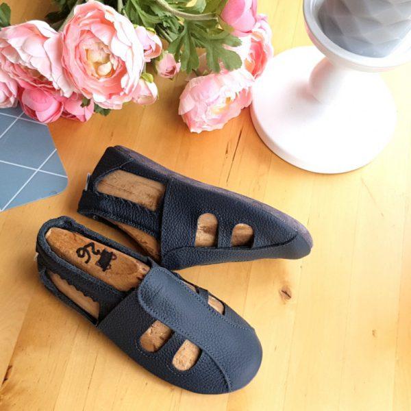 skórzane sandały dziecięce a´la paputki idelane kapcie do przedszkola i żłobaka oraz ich miękkie podeszwy, buty letnie na lato