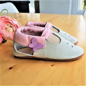 przewiewne i lekkie skórzane barefoot sandały dla dziewczynki a´la paputki idelane kapcie do przedszkola i żłobka oraz ich miękkie podeszwy letnie na lato sweetbaby.pl