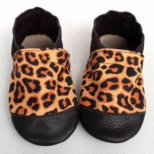 bosa stopka, buciki dziecięce, buciki letnie, butki letnie, butki niemowlęce, butki skórzane, buty dla dziecka, buty do nauki chodzenia, buty do przedszkola, buty do żłobka, kapcie dla dzieci, kapcie do przedszkola, kapcie do przeszkola, kapcie do żłobka, kapcie skórzane, miękkie butki, miękkie kapcie, miękkie podeszwy, mokasynki skórzane, pantofelki, papcie dla dzieci, paputki, paputki dla dzieci, paputki skórzane, pierwsze buciki, pierwsze butki, pierwsze buty, przewiewne kapcie, skórzane buty dla dziecka, tuptusie, wygodne butki